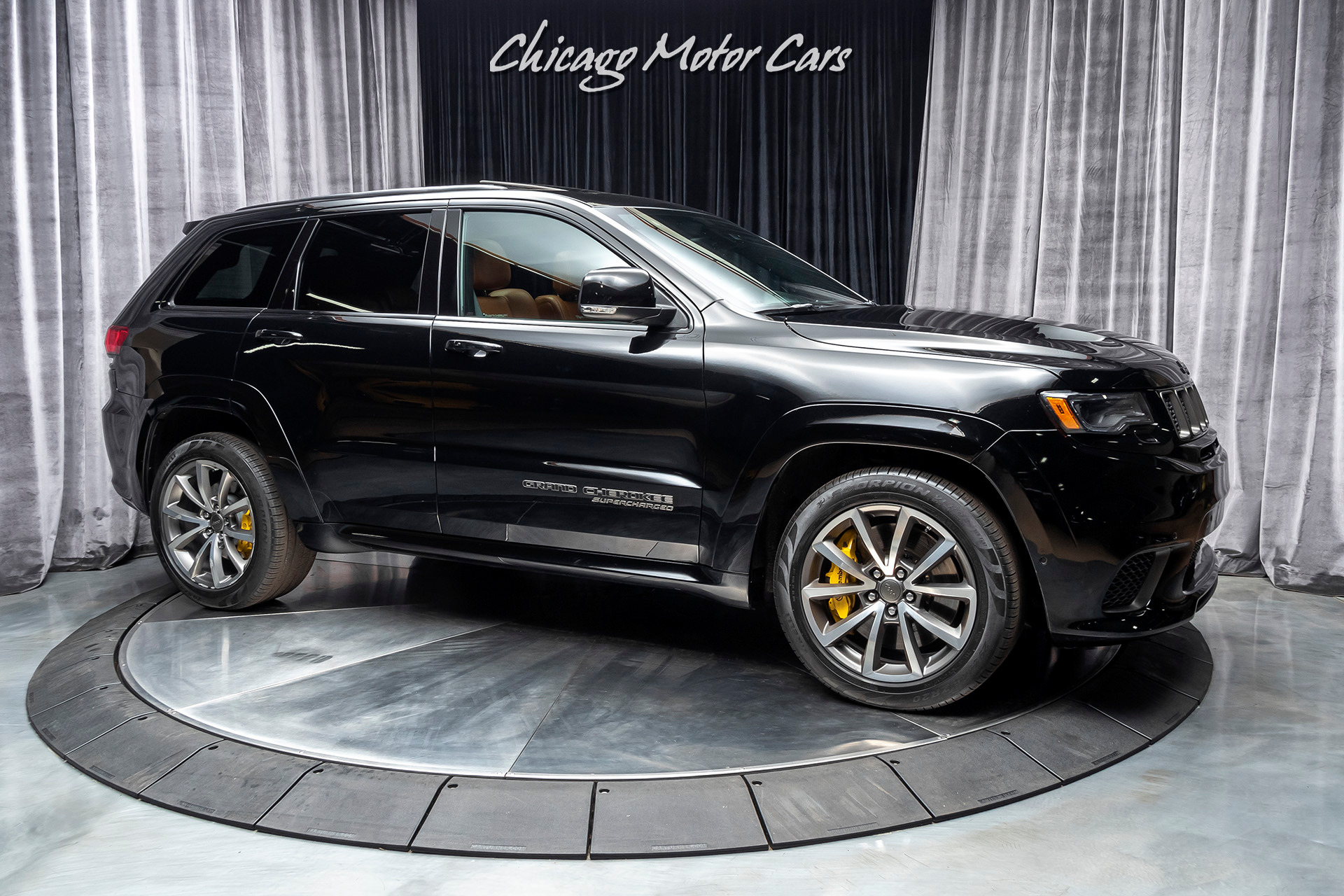 Used-2018-Jeep-Grand-Cherokee-Trackhawk-SUV-707-HP-HARMAN-KARDON-AUDIO-DUAL-PANE-SUNROOF