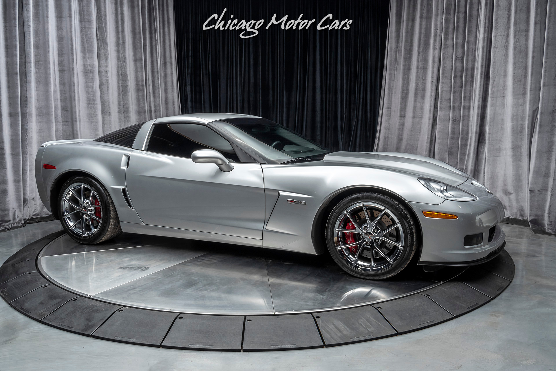 Used-2012-Chevrolet-Corvette-Z06-1LZ-Coupe-6-SPEED-MANUAL-SPIDER-DESIGN-Z06-CHROME-WHEELS