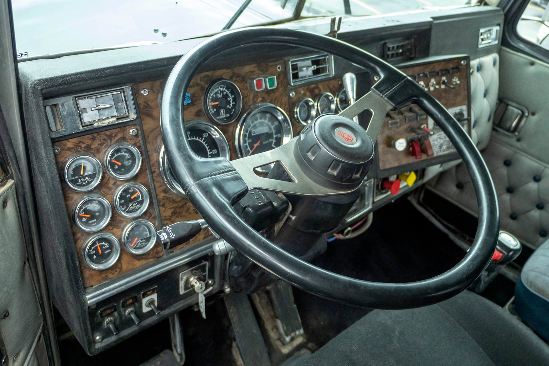 Used-1994-Kenworth-W900-DAY-CAB-CAT-3406