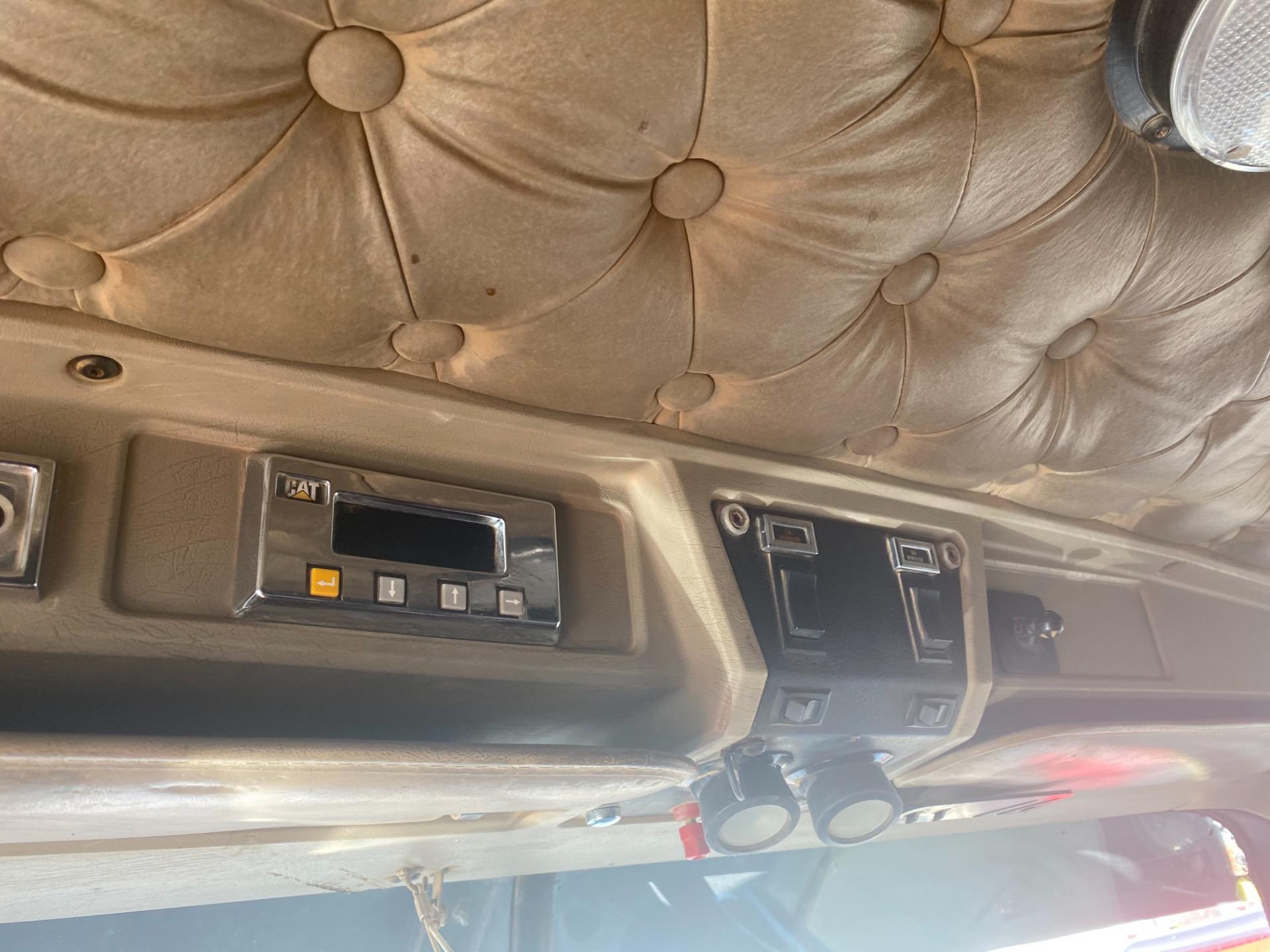 Used-2000-KENWORTH-W900-Sleeper-Cab---CAT-3406E---550-HP
