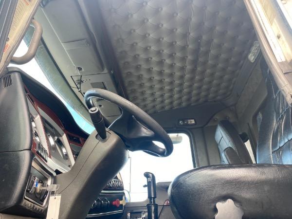 Used-2009-KENWORTH-T800-Sleeper-Cab---Cummins-ISX---600HP
