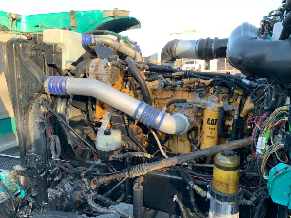 Used-2009-Peterbilt-388-Tri-Axle-Sleeper---CAT-C15-ACERT---AUTOMATIC