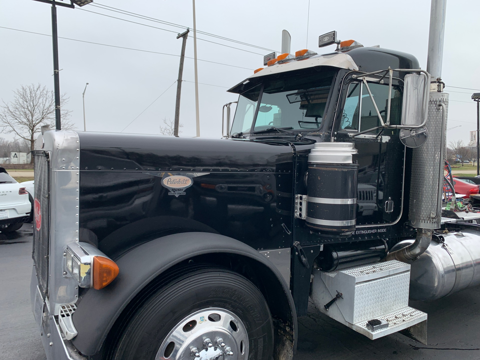 Used-2000-Peterbilt-379-Day-Cab---CAT-C15-6NZ---475-HP
