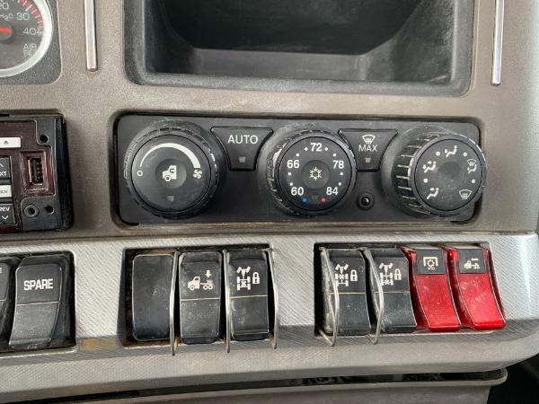 Used-2015-Kenworth-T880-Cummins-ISX---10-Speed