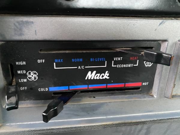 Used-1999-MACK-CH613