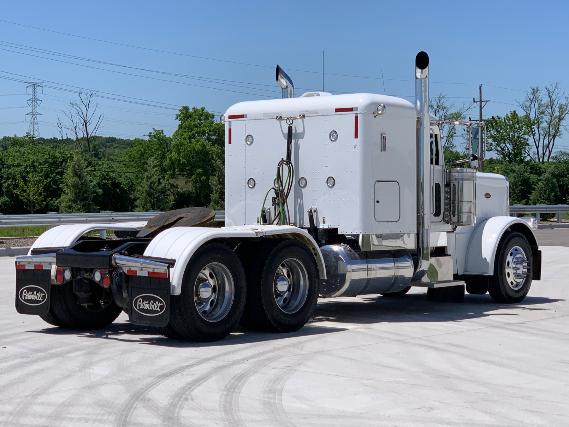 Used-2012-Peterbilt-389-SLEEPER-CANADIAN-REGISTERED-GLIDER-Detroit-Series-60-500-HP