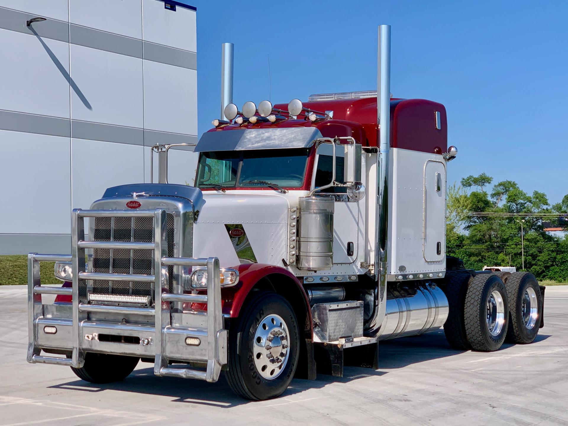 Used-2011-Peterbilt-388-Sleeper-Truck-Trackor