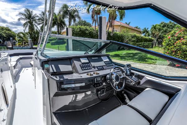 Used-2018-MONTEREY-385-SE-Express-Cruiser-w-3x-300-Verado-Outboards-with-Joysticks