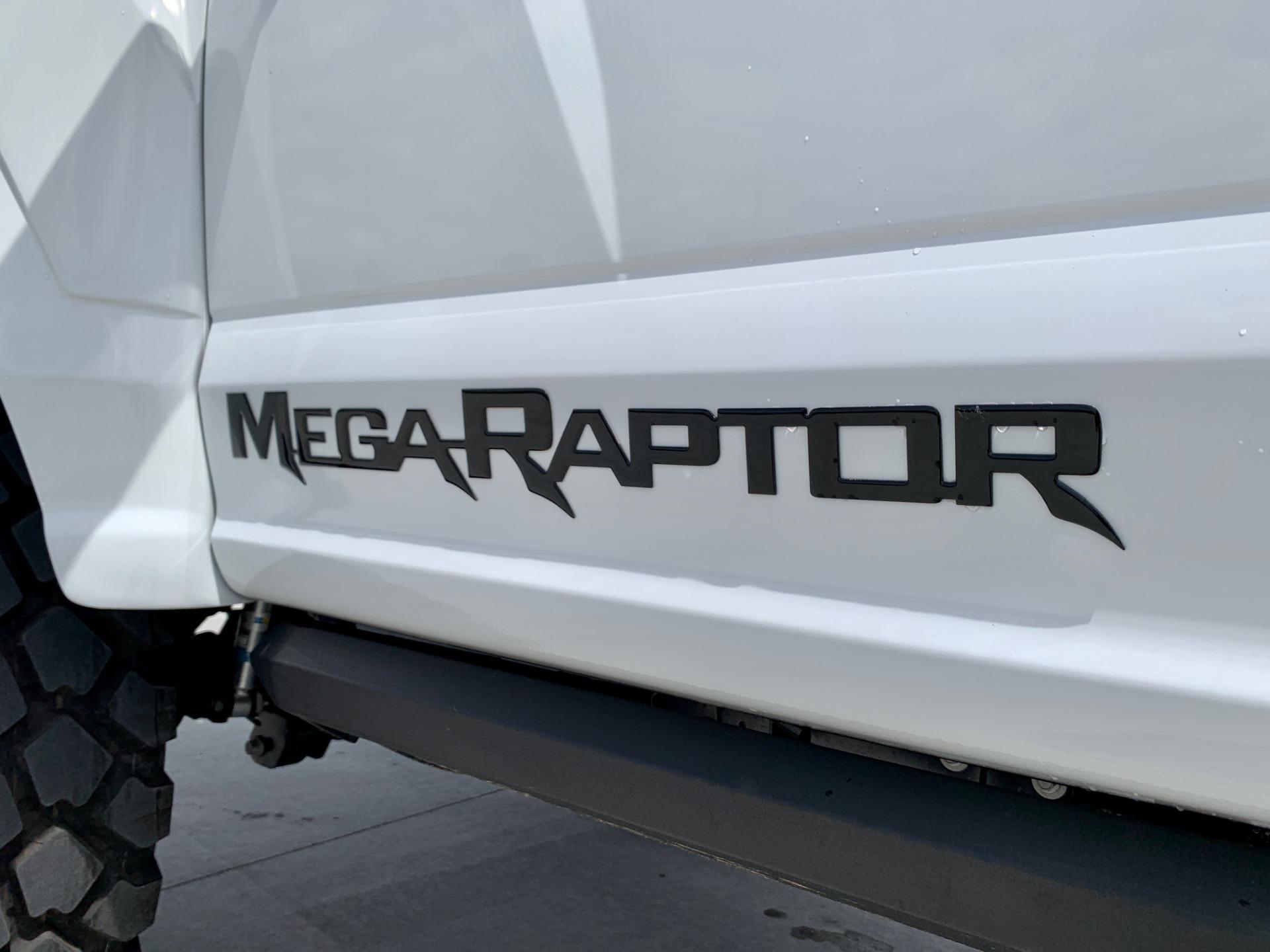 Used-2019-Ford-F350-Super-Duty-Lariat-Ultimate-Mega-Raptor-4x4