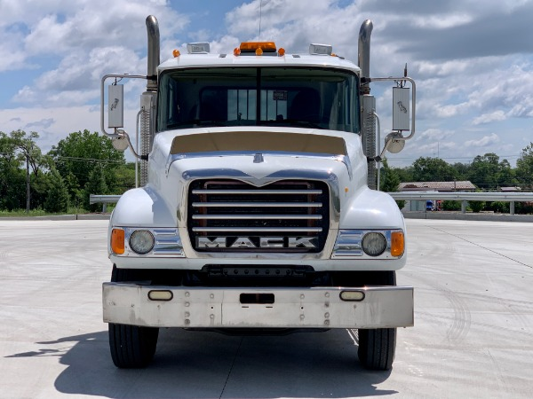 Used-2003-MACK-CV713-Tri-Axle-Day-Cab---Mack-E7---18-Speed
