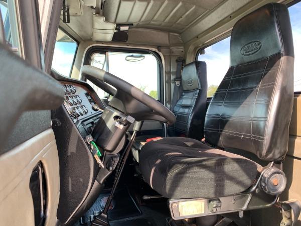 Used-2001-Peterbilt-378-Day-Cab