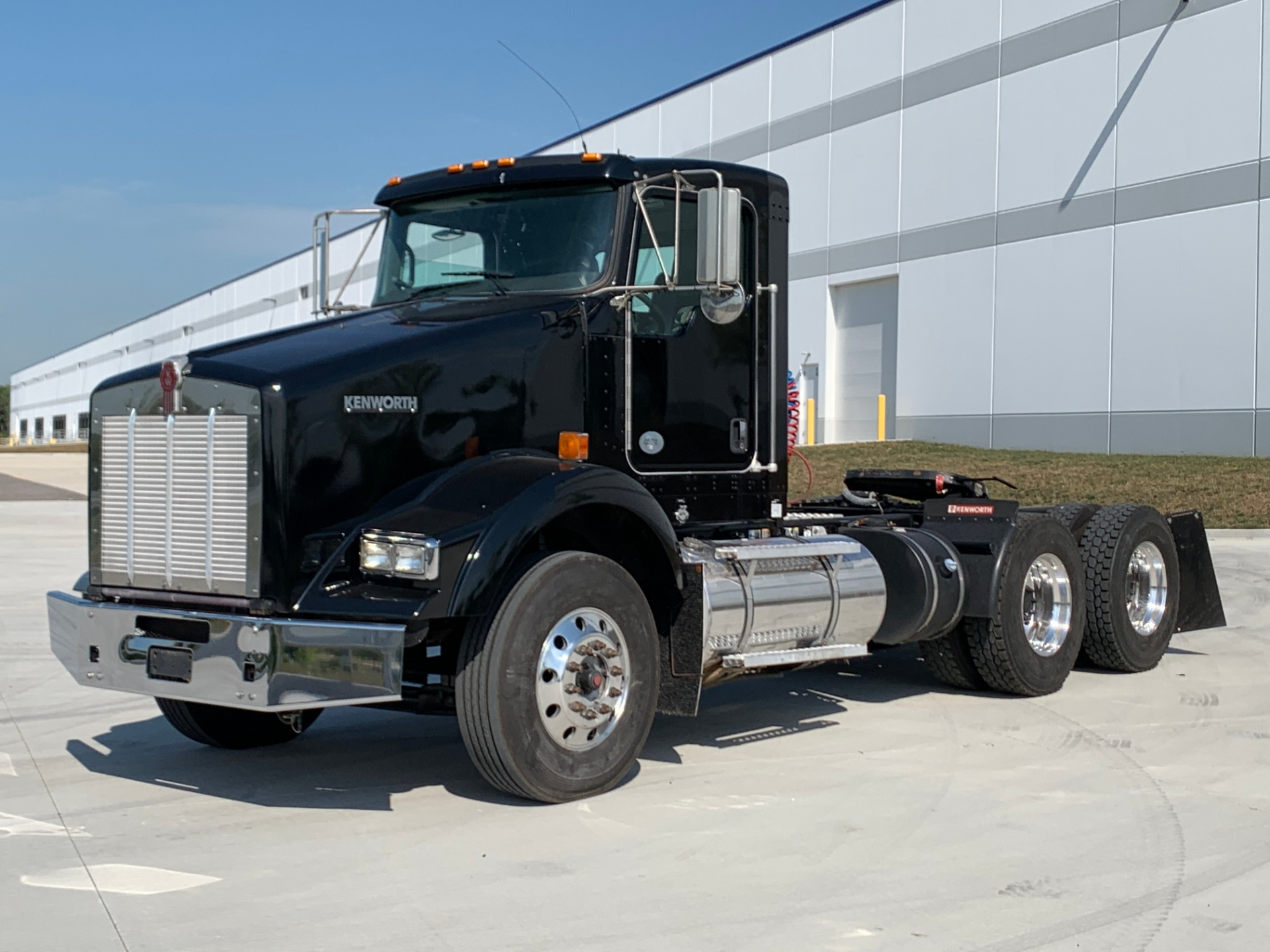 Used-2015-Kenworth-T-800-Tandem-Axle-Day-Cab---CUMMINS-ISX-450---AUTOMATIC
