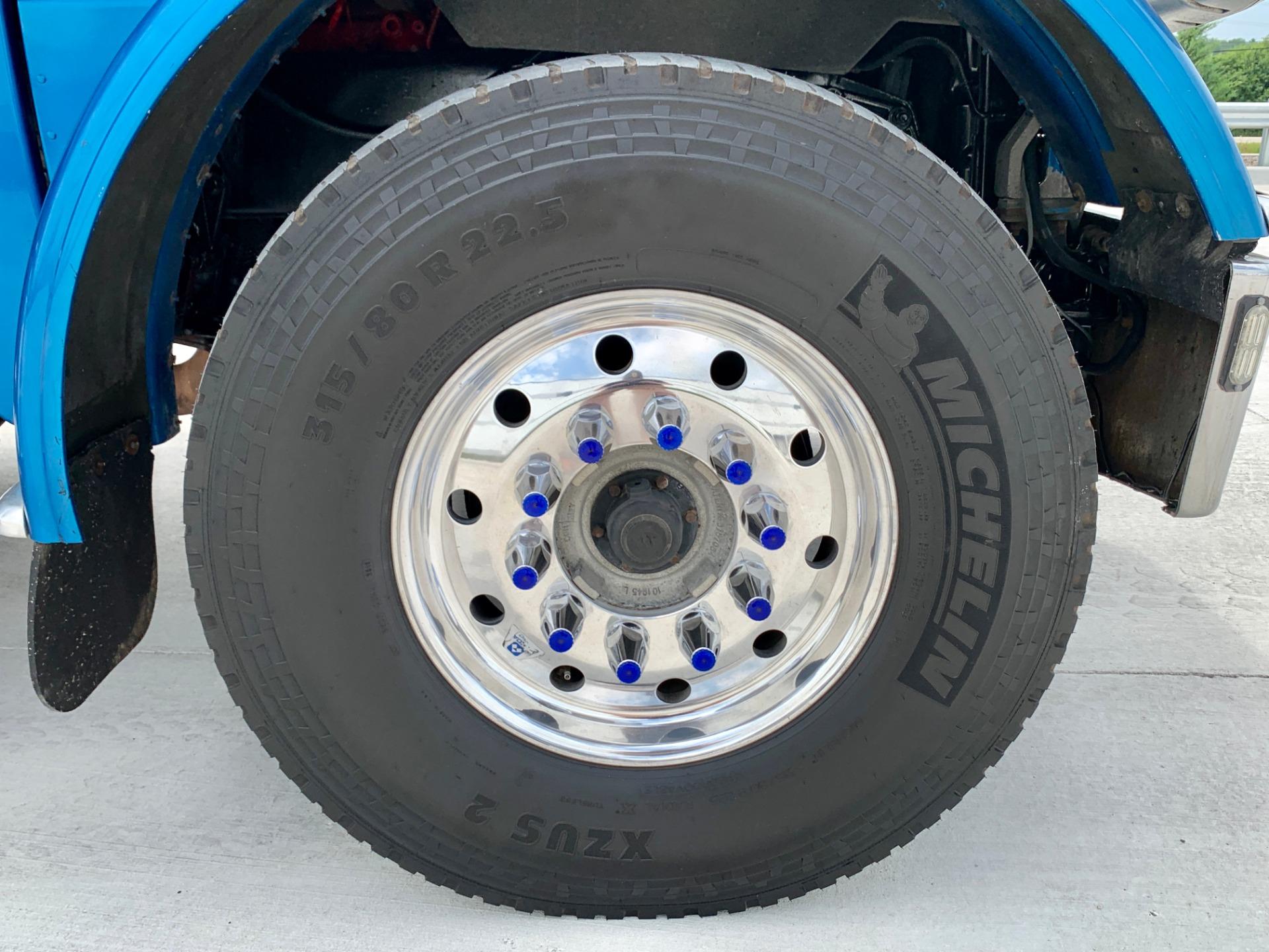 Used-2008-Peterbilt-388-Tri-Axle-Sleeper---Cummins-ISX---625-Horsepower---13-Speed
