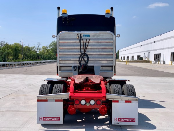 Used-2013-Kenworth-T800-Sleeper-Cab---Cummins-ISX---10-Speed