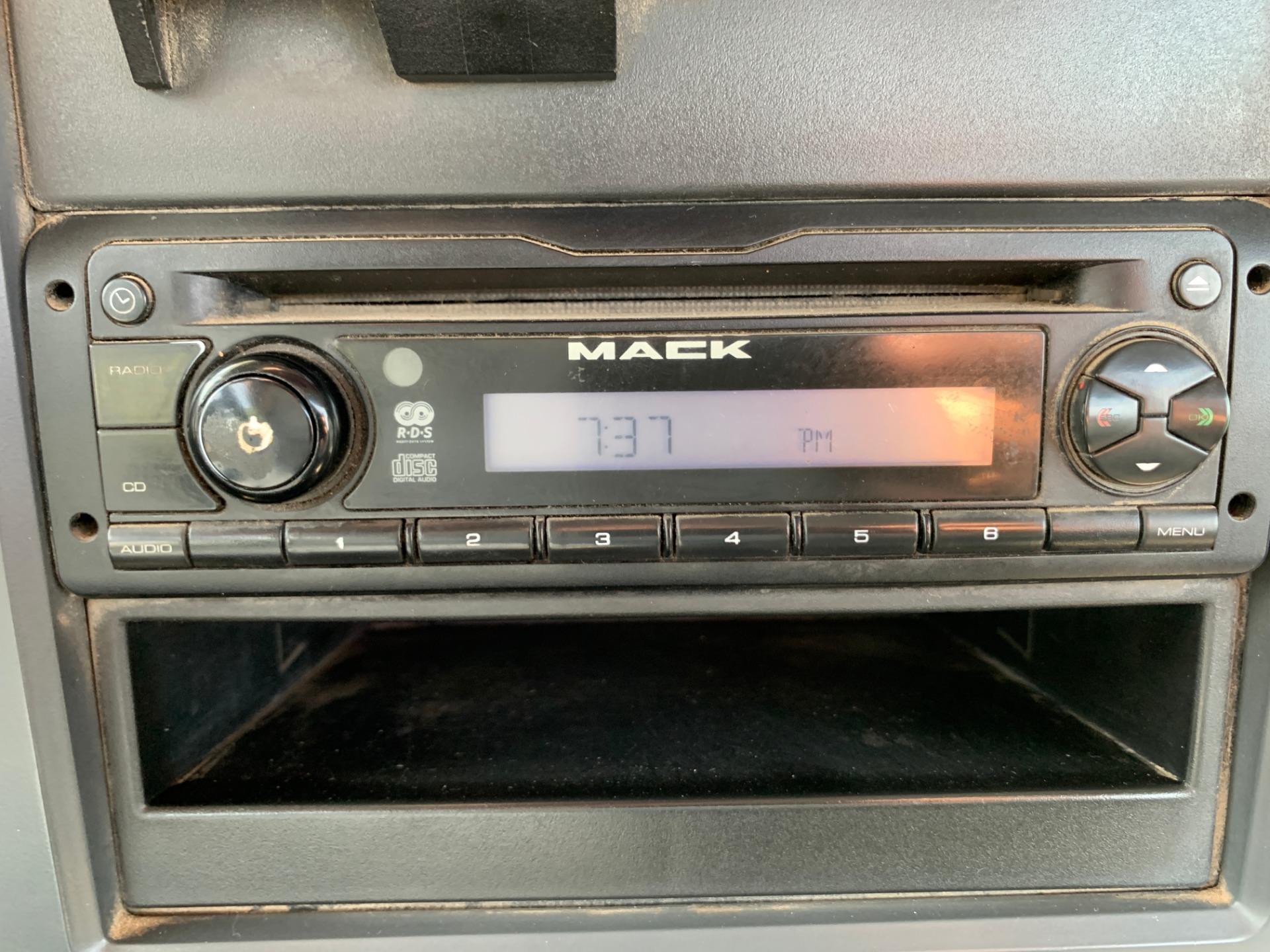 Used-2015-MACK-GU-713-Day-Cab