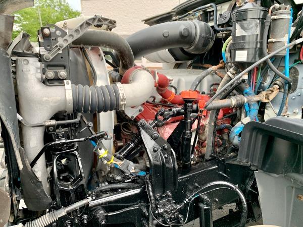 Used-2015-MACK-GU-713-Day-Cab---Mack-MP7-405-HP---10-Speed-Manual