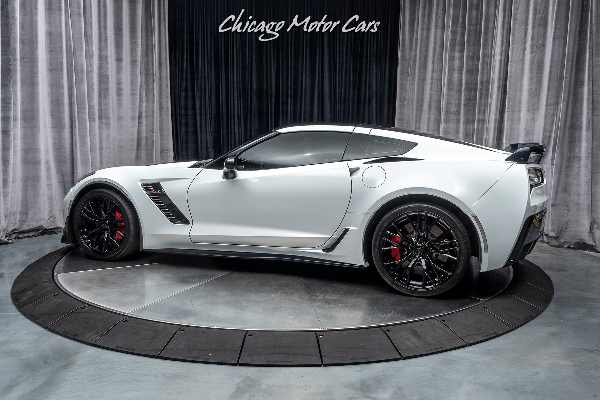 Used-2015-Chevrolet-Corvette-Z06-1LZ-Coupe---TASTEFULLY-MODIFIED-628WHP-Z07-PERFORMANCE-PKG