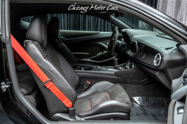 Used-2019-Chevrolet-Camaro-ZL1-1LE-MANUAL-Carbon-Fiber-Interior-Pkg