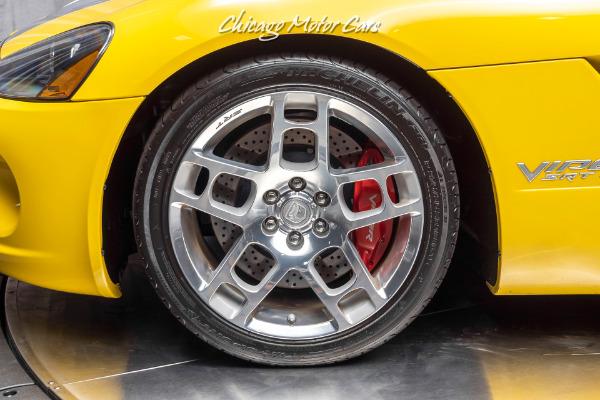 Used-2006-Dodge-Viper-SRT-10-1-of-2-YellowSilver-Stripe-Viper-Produced-Upgrades
