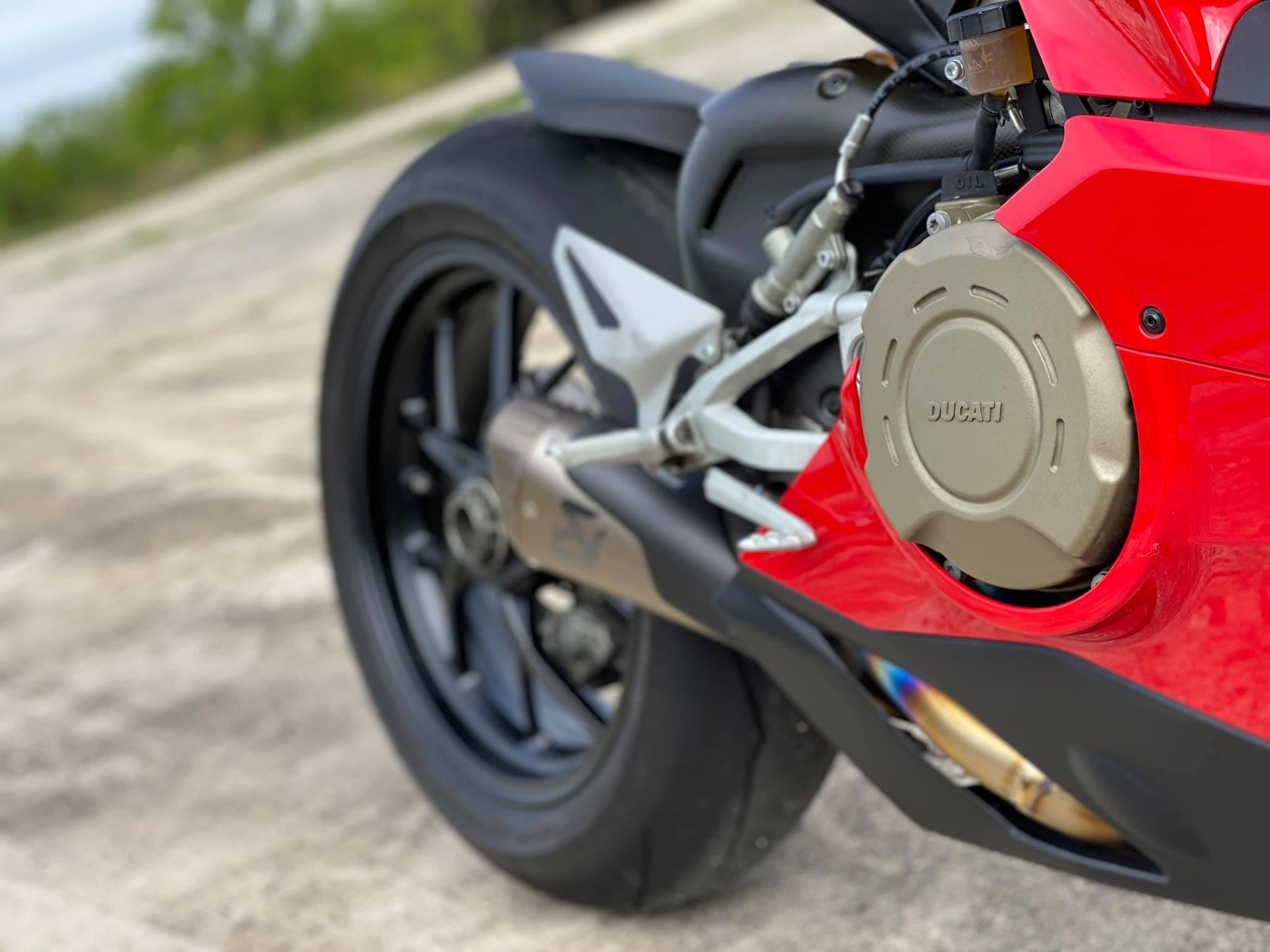 Used-2018-Ducati-Panigale-V4-AKRAPOVIC-EXHAUST---ONLY-2K-MILES