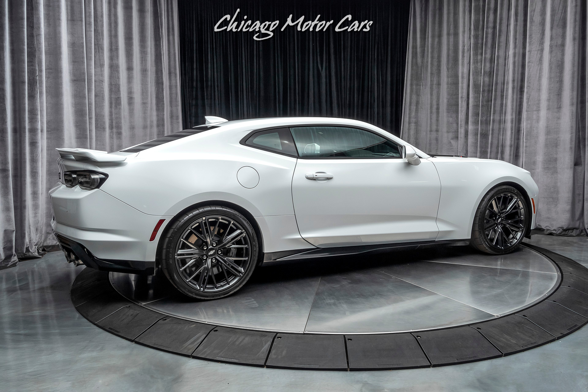 Used-2019-Chevrolet-Camaro-ZL1-Coupe---PERFORMANCE---DATA-VIDEO-RECORDER-10-SPEED-AUTOMATIC