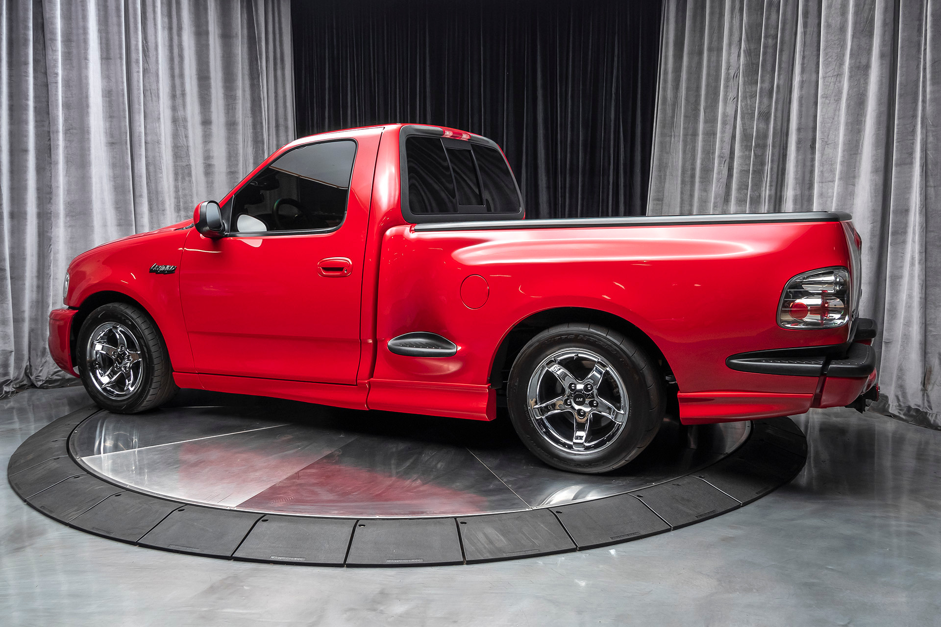 Used-2000-Ford-F-150-SVT-Lightning-Supercharged--ONLY-31K-MILES--THOUSANDS-IN-UPGRADES
