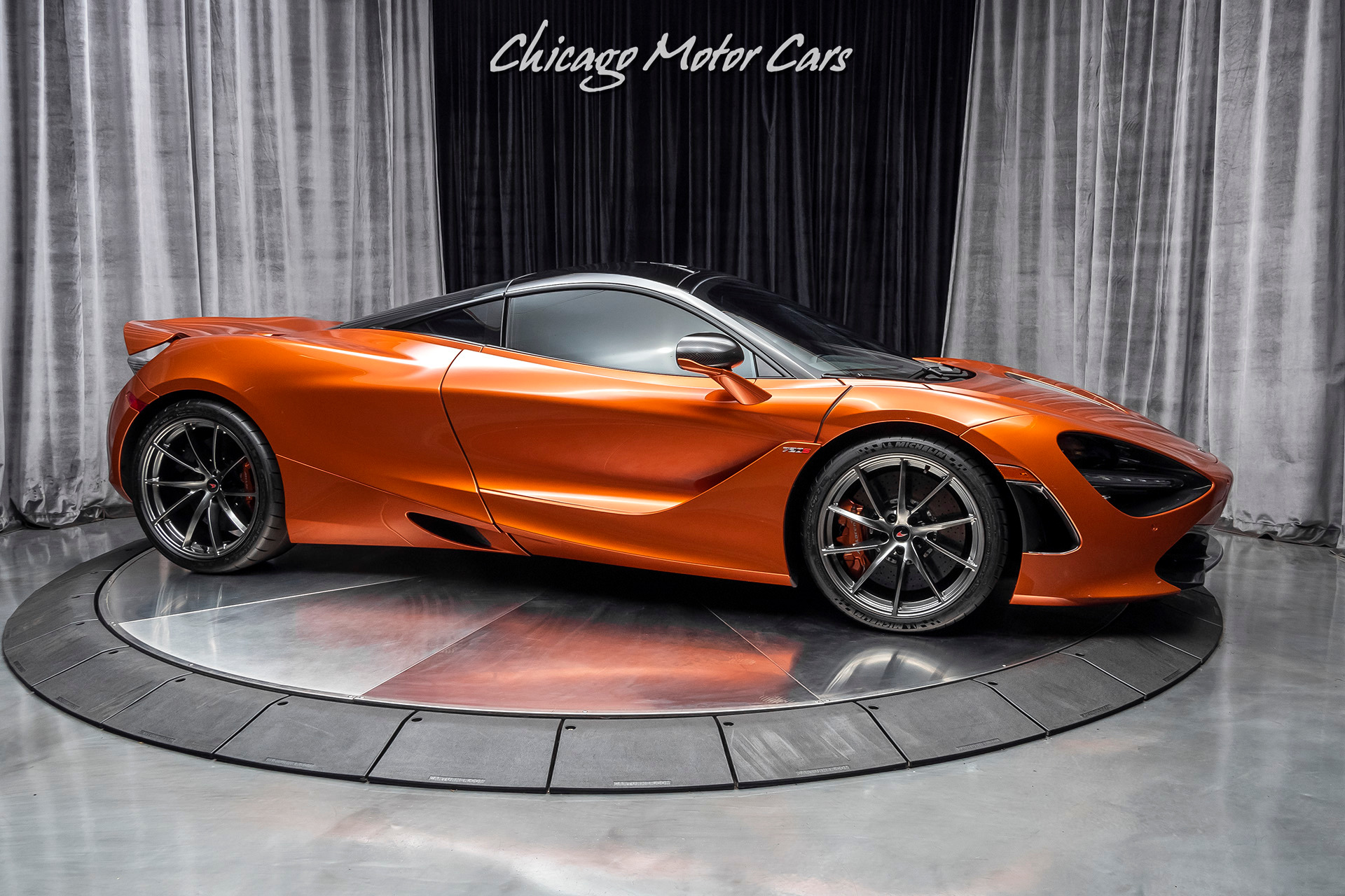 Used-2018-McLaren-720S-Performance-Coupe-Carbon-Fiber-LOADED-Only-7k-Miles