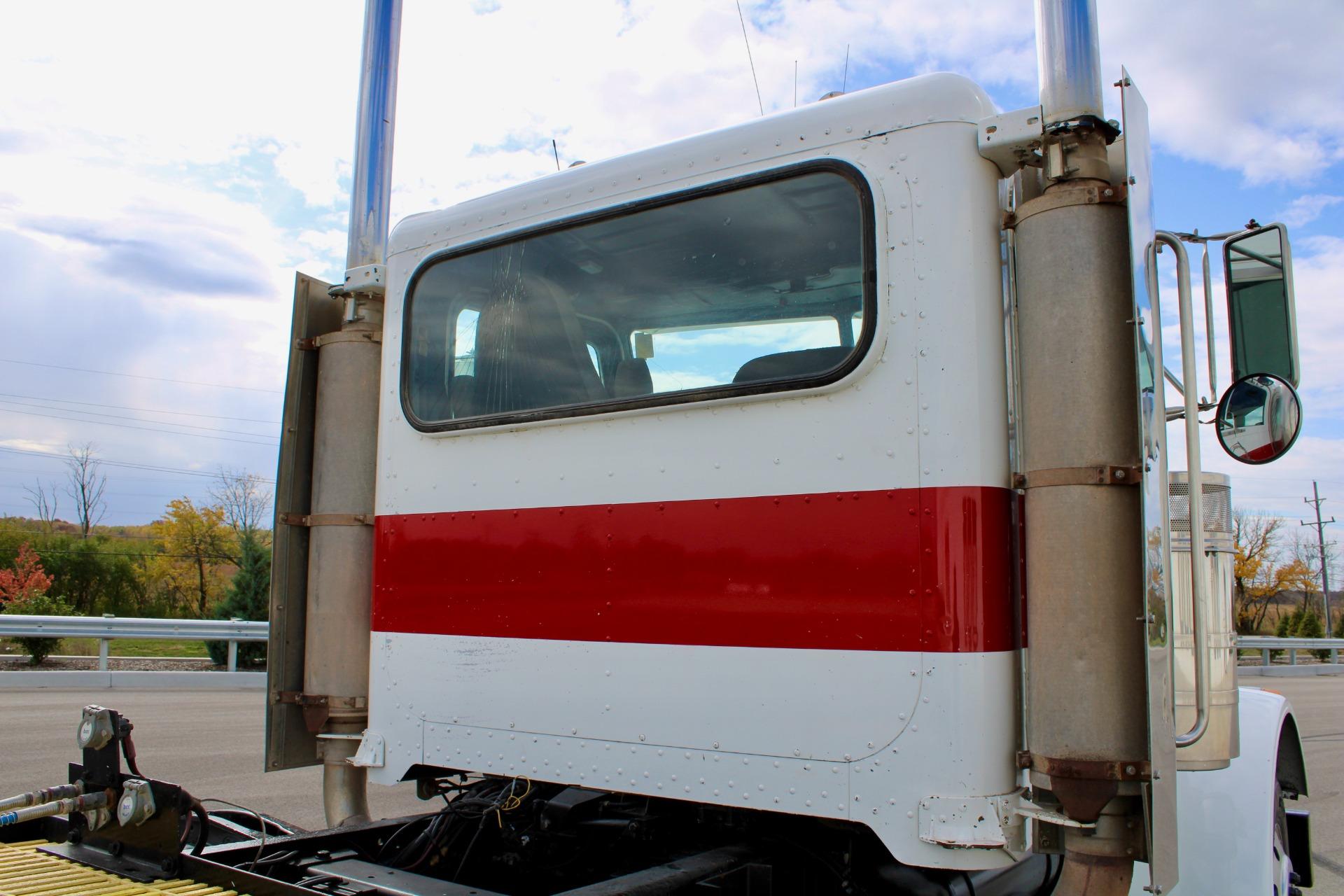 Used-1997-Peterbilt-379-Day-Cab---CAT-3406---15-Speed-Manual