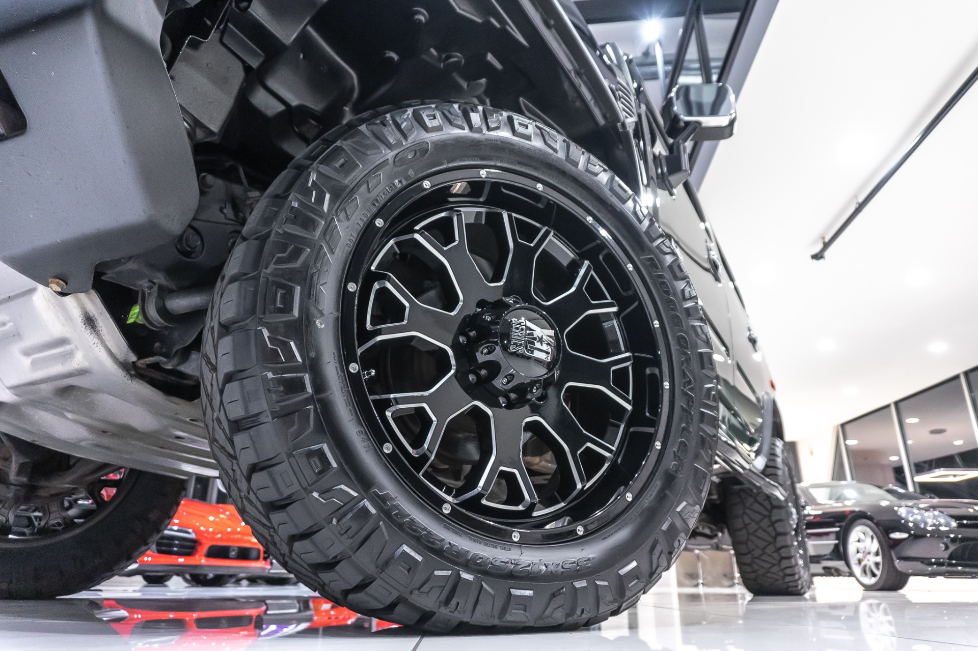 Used-2005-HUMMER-H2-Lux-Series-Level-Kit-WheelsTires-Incredibly-Clean