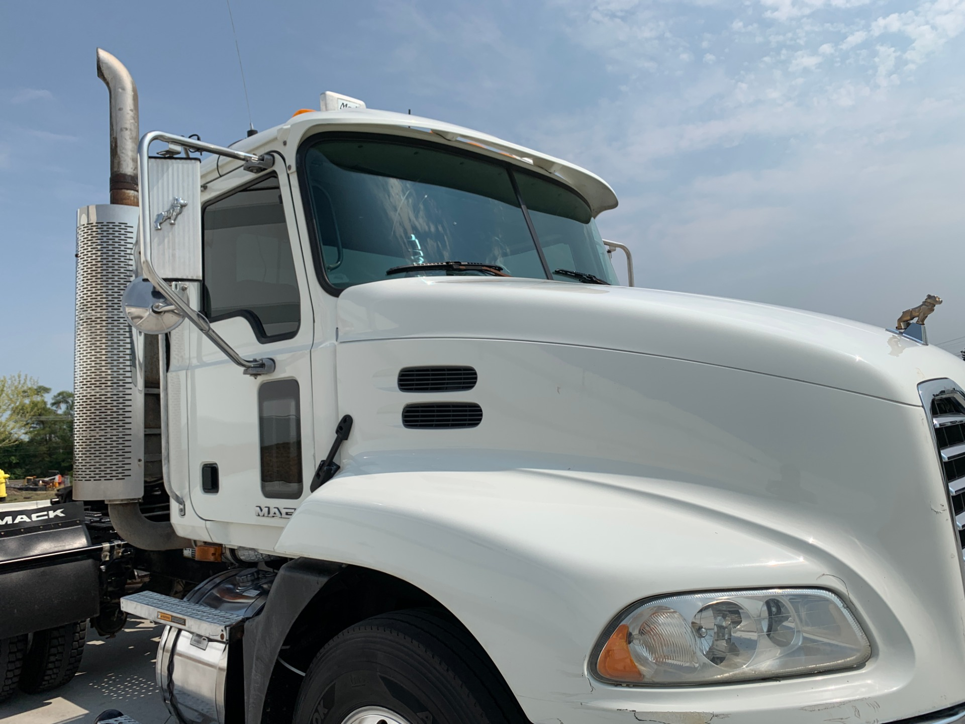 Used-2008-Mack-CXU-613-Day-Cab---Mack-MP8---8-Speed---VERY-CLEAN