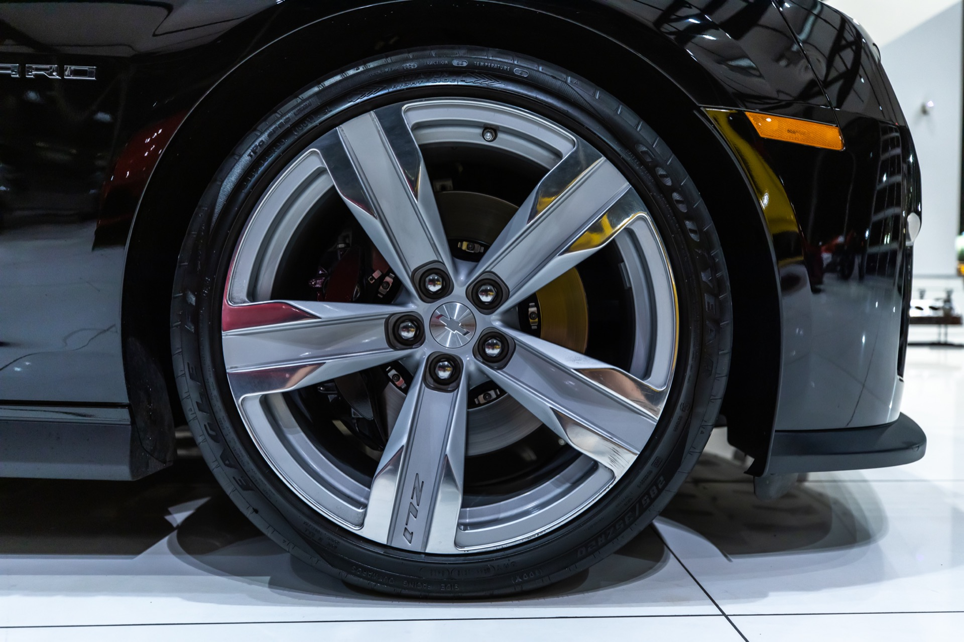 Used-2013-Chevrolet-Camaro-ZL1-Coupe---EXCELLENT-CONDITION-THROUGHOUT-ONLY-11K-MILES