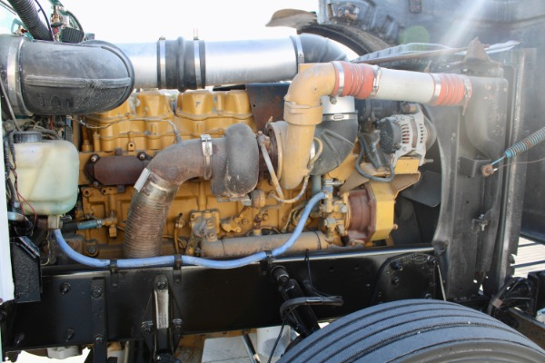 Used-1998-Peterbilt-379-Day-Cab---CAT-3406---490-Horsepower---Wet-Kit