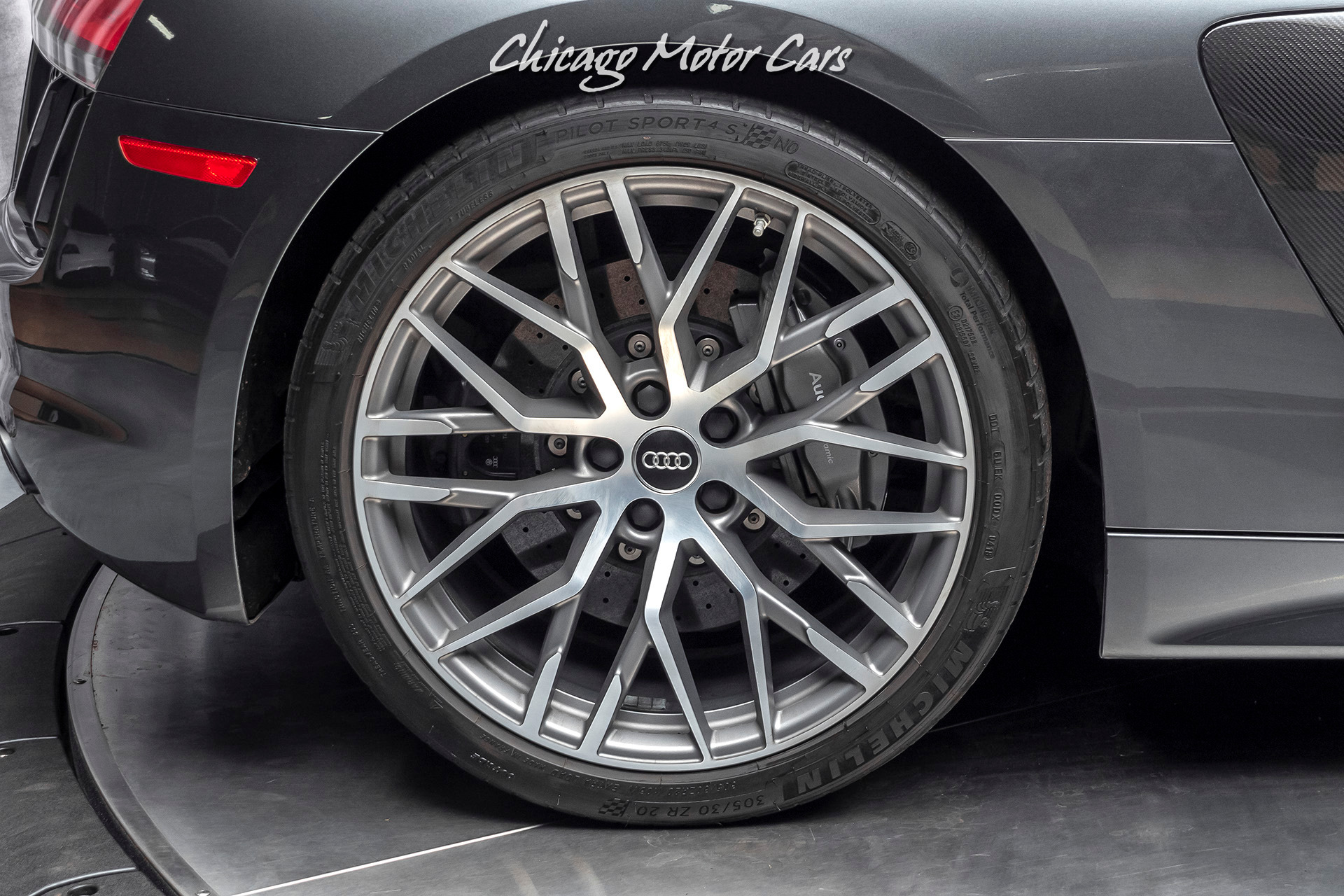 Used-2017-Audi-R8-52-quattro-V10-Plus-Coupe-CARBON-FIBER-20-INCH-WHEELS
