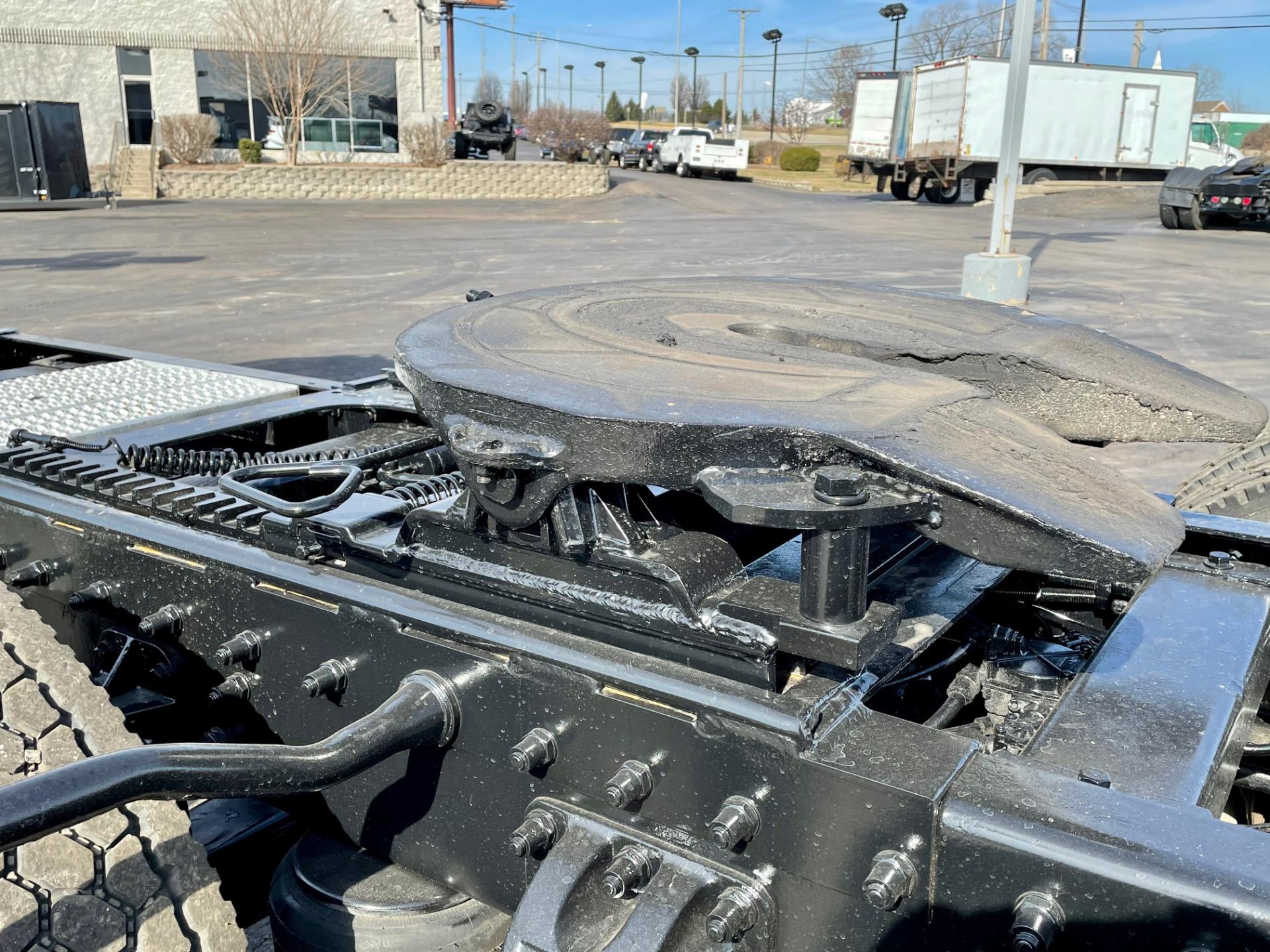 Used-1999-Peterbilt-379-Day-Cab---CAT-DIESEL---10-Speed-Manual