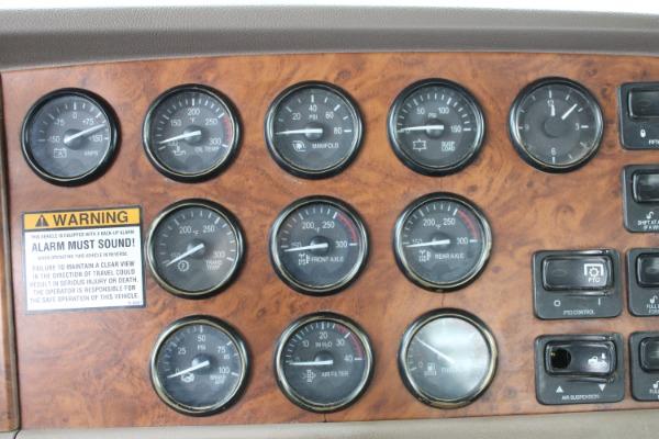 Used-2006-Peterbilt-379-Day-Cab---C15-ACERT---550-Horsepower