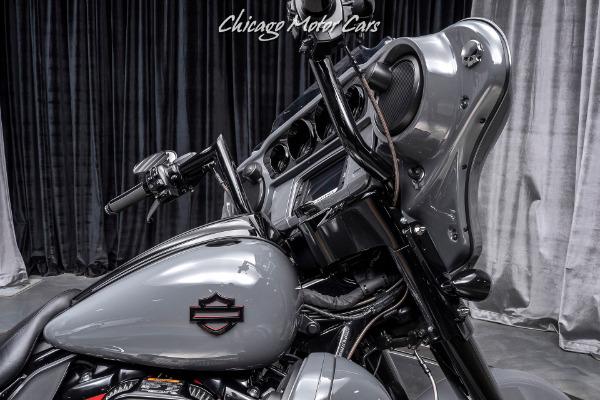Used-2018-Harley-Davidson-FLHXSE-CVO-Street-Glide-10k-in-Upgrades