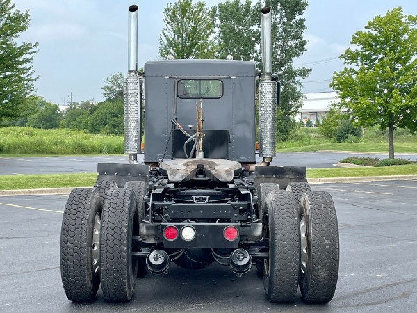 Used-2004-Kenworth-T800-Day-Cab-Tri-Axle-CAT-C15-475-HP-10-Speed-Manual