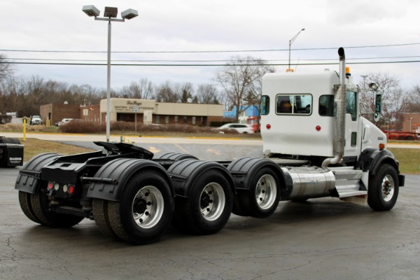 Used-2009-Kenworth-T800-Day-Cab-Tri-Axle---Cummins-ISX15---485HP---18-Speed-Manual