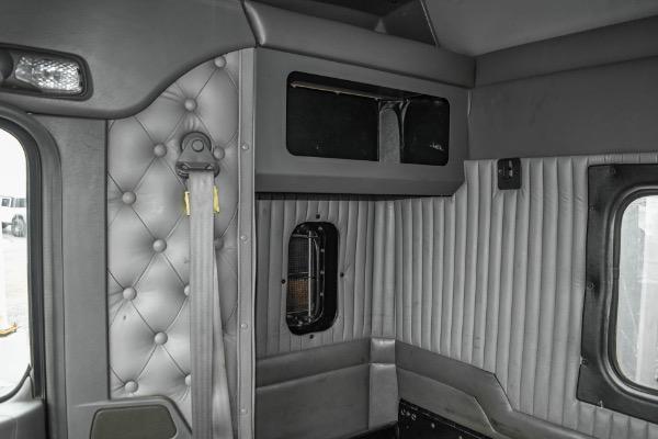 Used-2007-Kenworth-T800-Sleeper---Cat-C13-ACERT---10-Speed-Manual