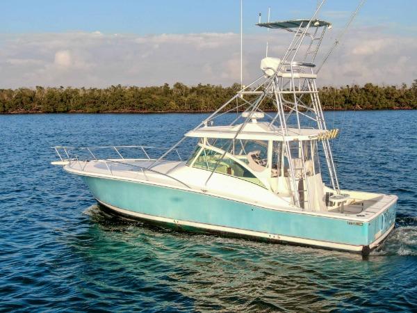 Used-2004-Luhrs-38-Sport-Fish-Cuddy-Cabin