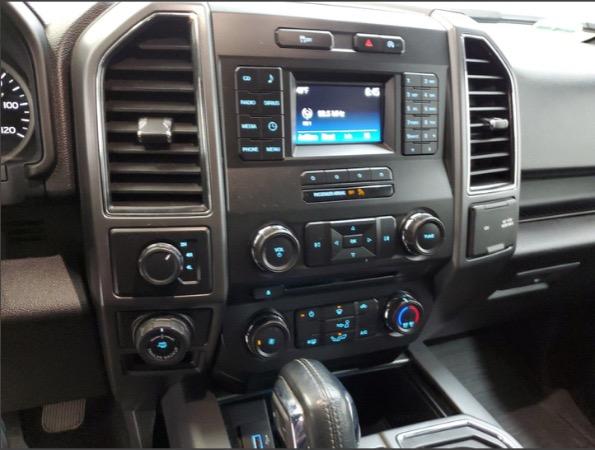 Used-2017-Ford-F-150-XLT-4x4-SuperCrew-Pickup-35L-Ecoboost-55-ft-SB-Loaded-White-F150-Sport