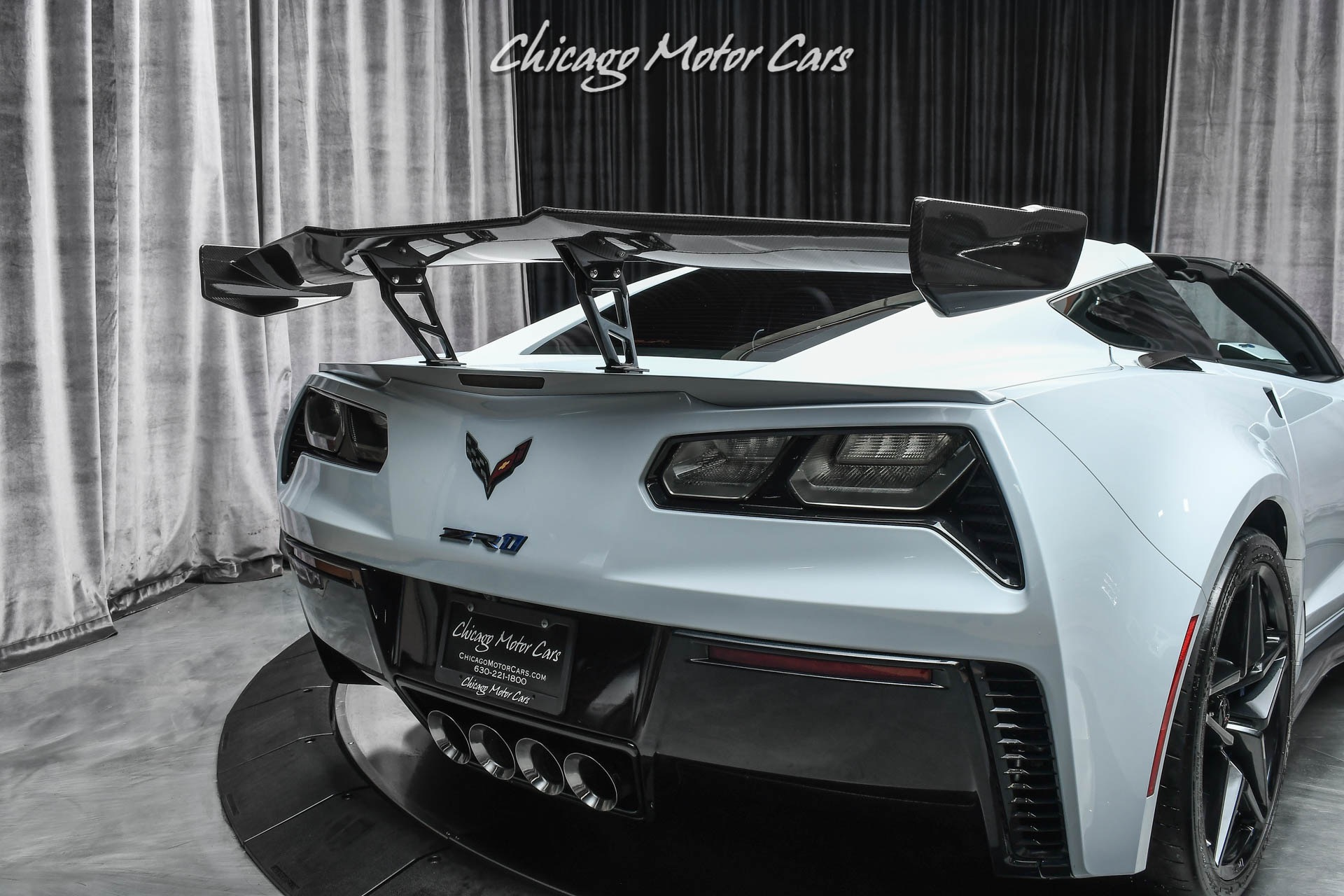 Used-2019-Chevrolet-Corvette-ZR1-3LZ-RARE-CERAMIC-GRAY-ZTK-PKG-COMP-SEATS
