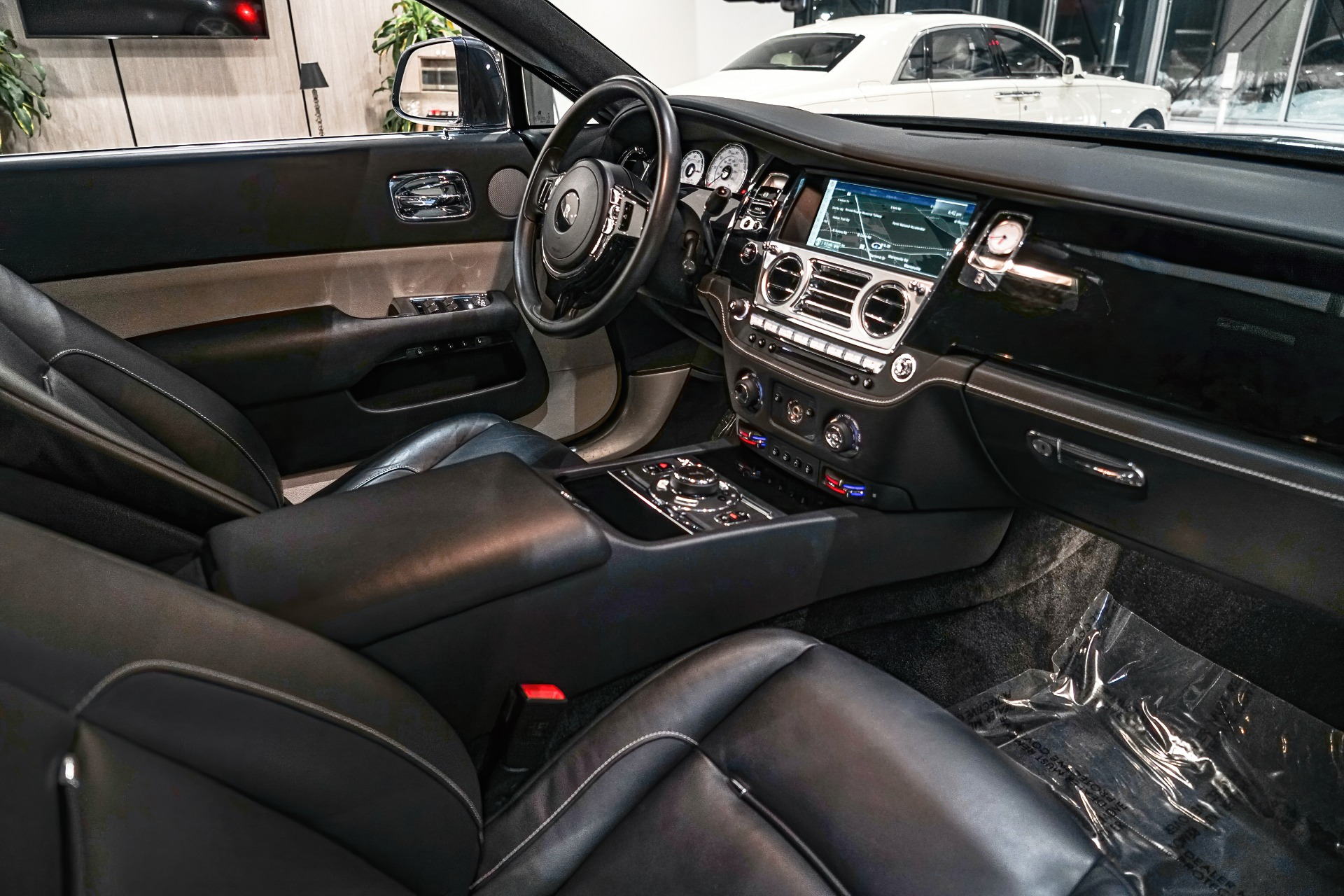 Used-2016-Rolls-Royce-Wraith-DRIVERS-ASSISTANCE-PKG-HEADS-UP-DISPLAY-ONLY-14K-MILES