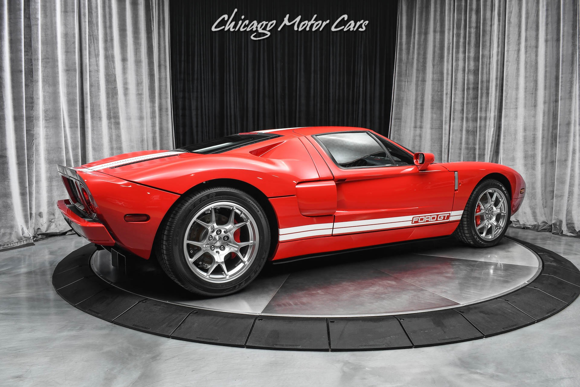 Used-2005-Ford-GT-ONLY-92-ORIGINAL-MILES-COLLECTOR-QUALITY-ALL-4-OPTIONS