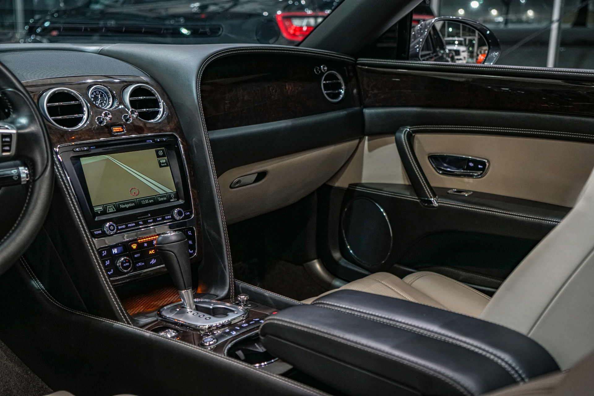 Used-2014-Bentley-Flying-Spur-CONTRAST-STICTHING-REAR-VIEW-CAMERA-PORTLAND-INTERIOR