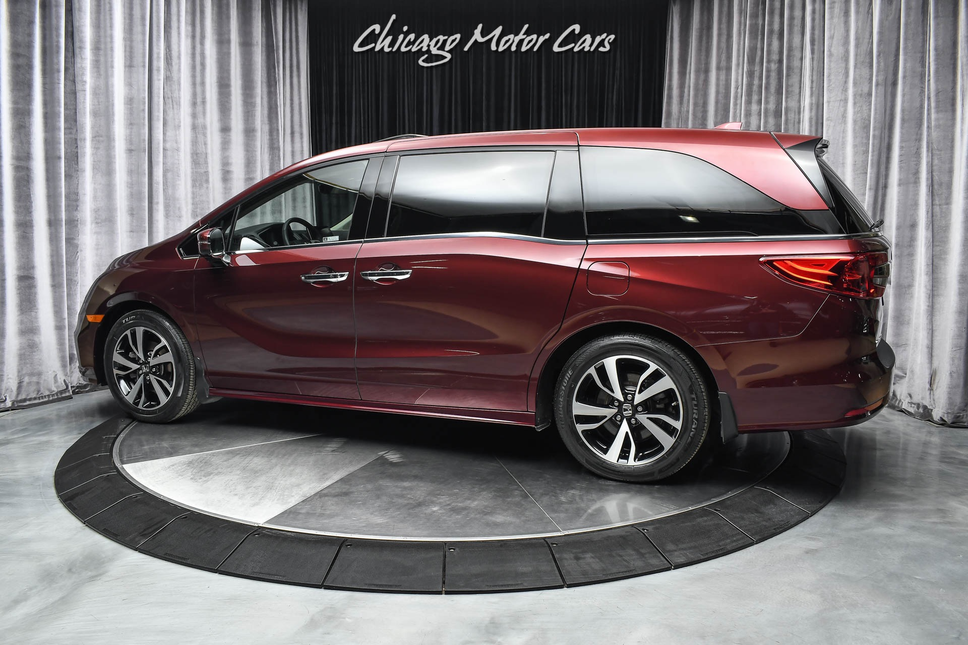 Used-2020-Honda-Odyssey-Elite-Mini-Van-EXCELLENT-CONDITION-WELL-EQUIPPED