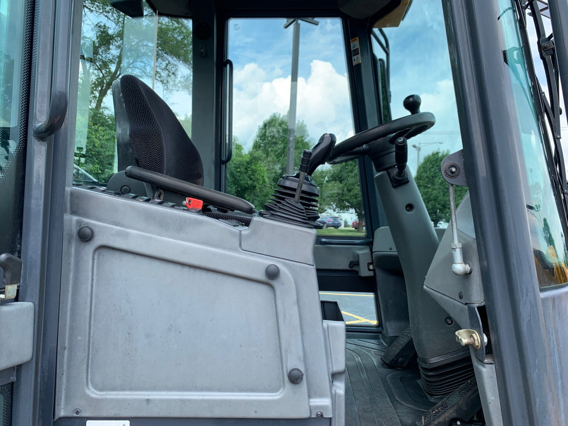 Used-2012-John-Deere-324J-Front-Loader---Low-Hours---GREAT-CONDITION