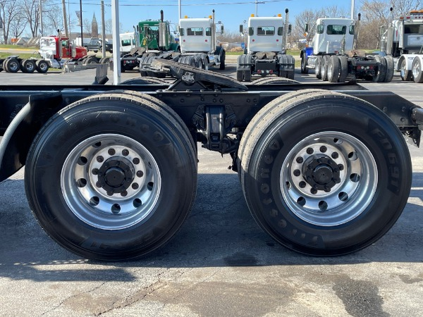 Used-2015-Kenworth-T800-Day-Cab---Paccar-MX13-455HP---10-Speed-Manual