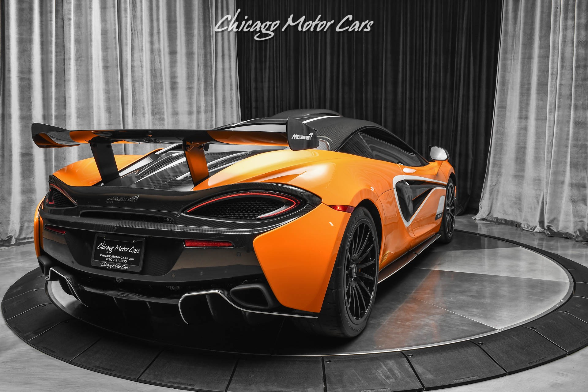 Used-2020-McLaren-620R-Coupe-ONLY-1900-MILES-MSO-CARBON-FIBER-BODY-PANELS-RARE-TRACK-MCLAREN
