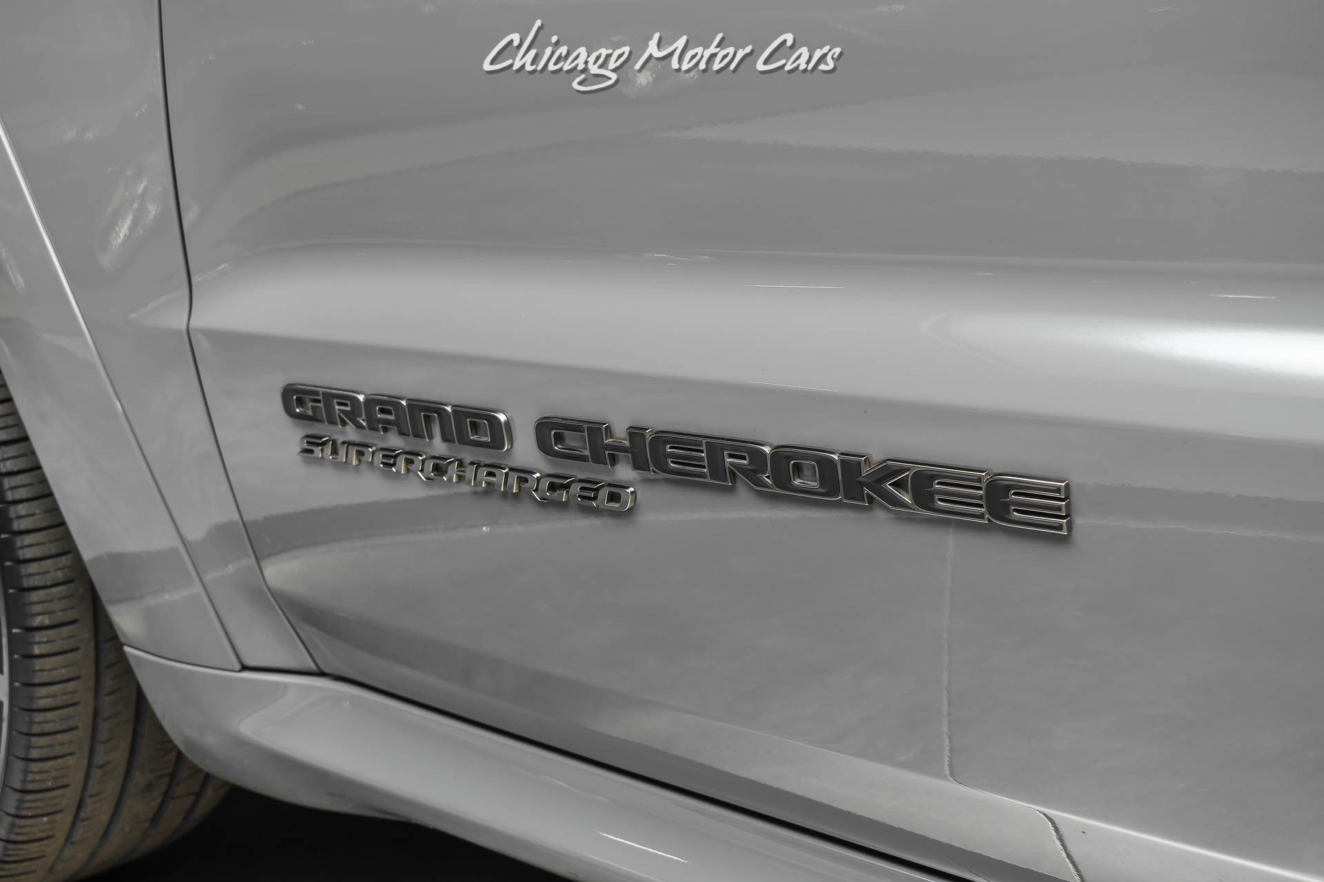 Used-2019-Jeep-Grand-Cherokee-Trackhawk-707-Horsepower-Sting-Gray-Panoramic-Roof